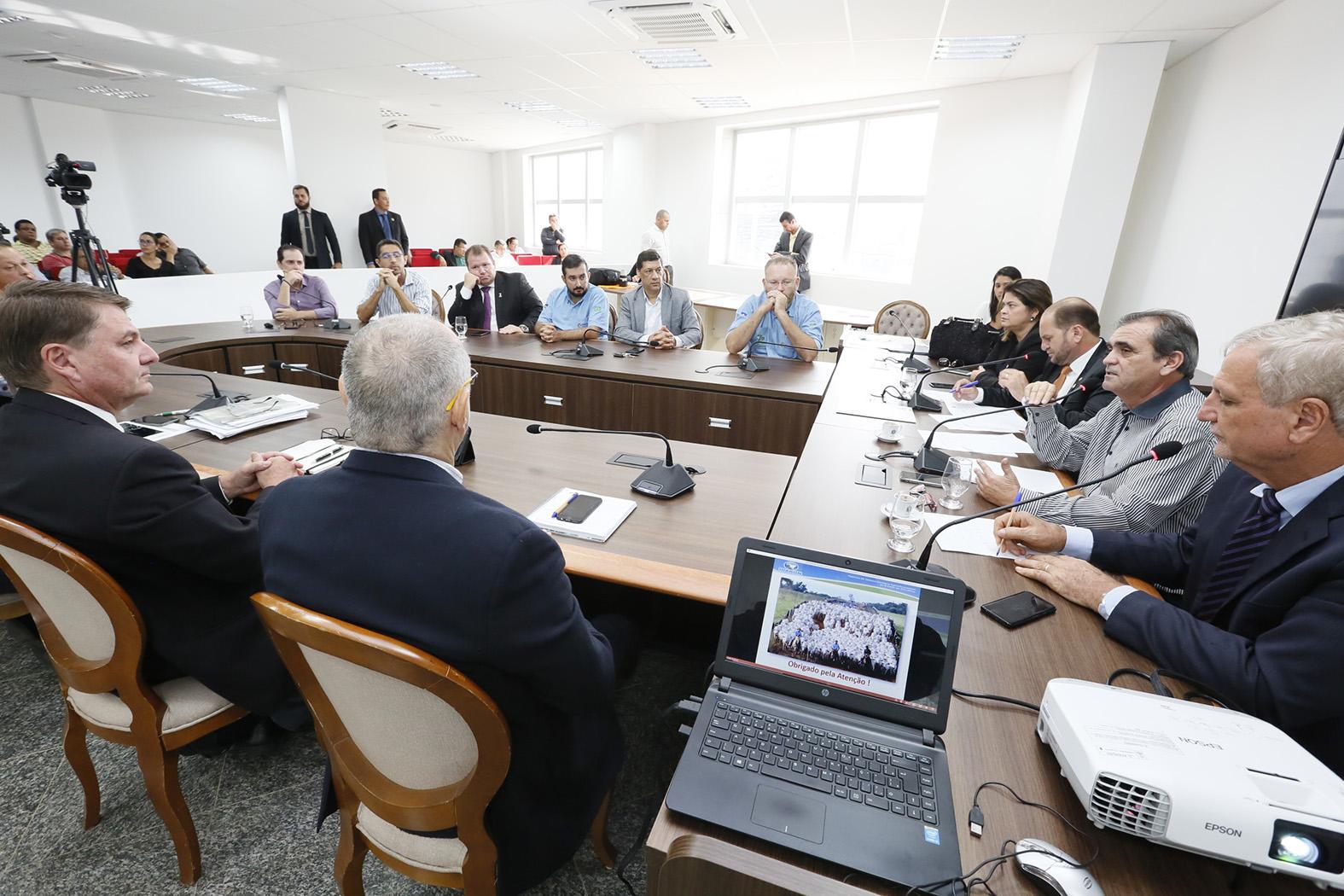 Assista na íntegra a reunião da Comissão de Agricultura que debateu políticas para o setor produtivo